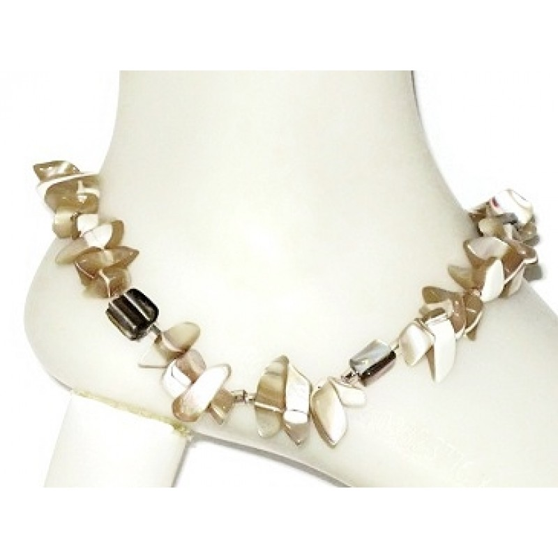 Beige Shell Ankle Bracelet With Chip Beads