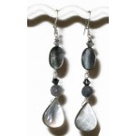 Gray Mother-of-Pearl Teardrop Choker and Earring Set