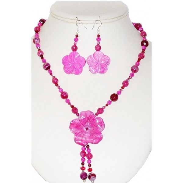 Fuchsia Necklace with Flower Pendant and Matching Earrings