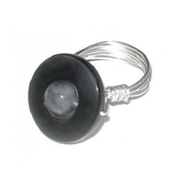 Black Lip Shell and Faceted Jade Wire-Wrapped Ring